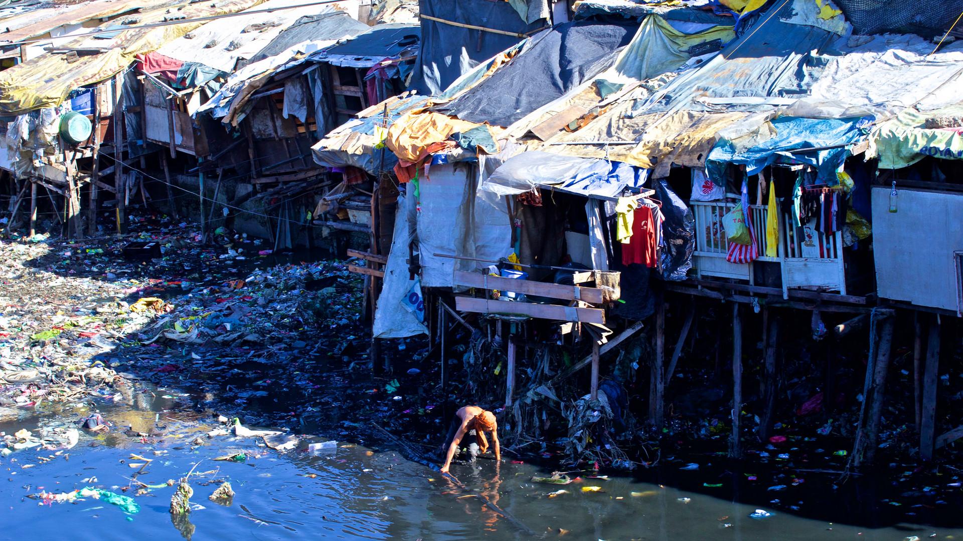 poverty india shanty