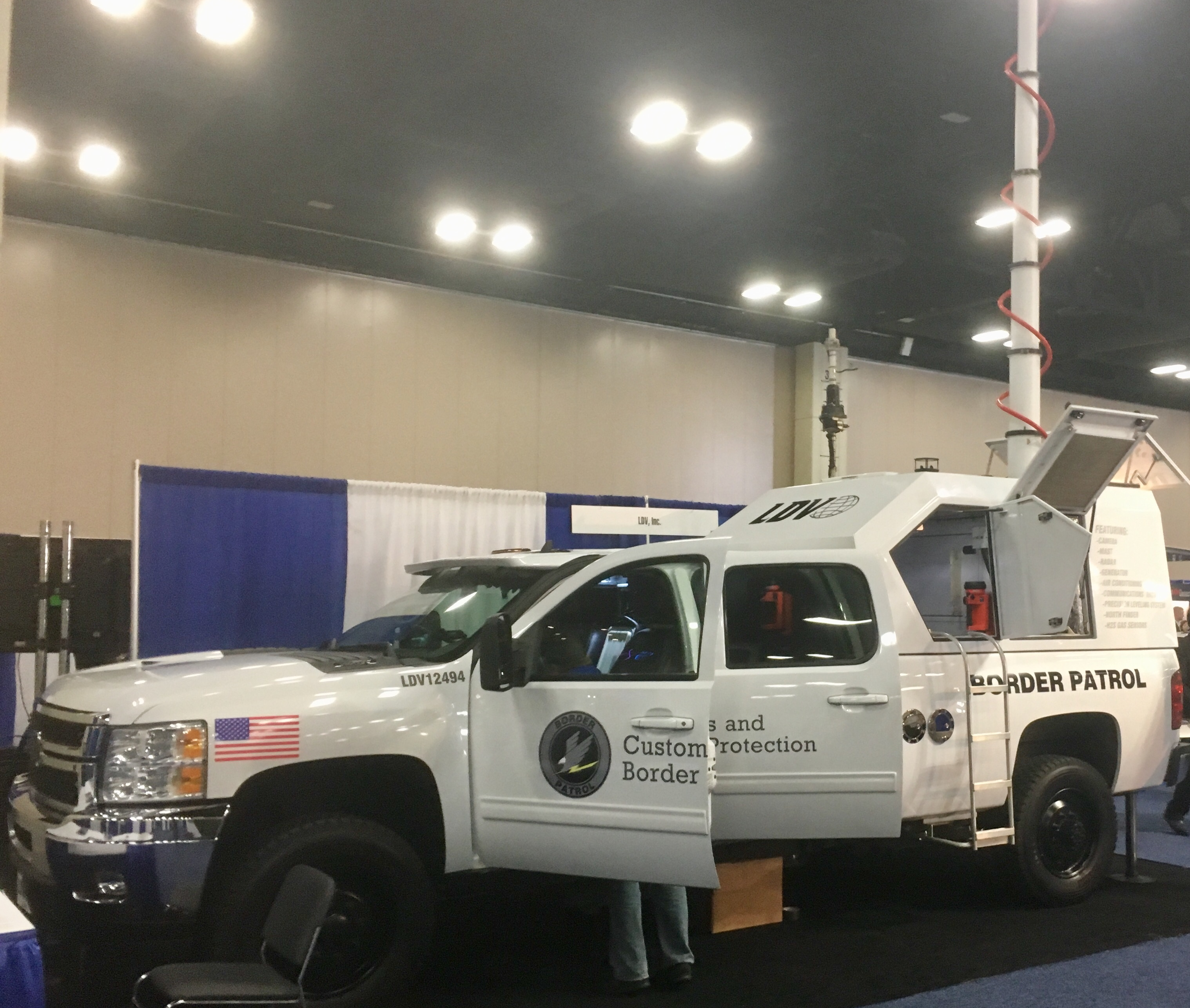 border communications vehicle