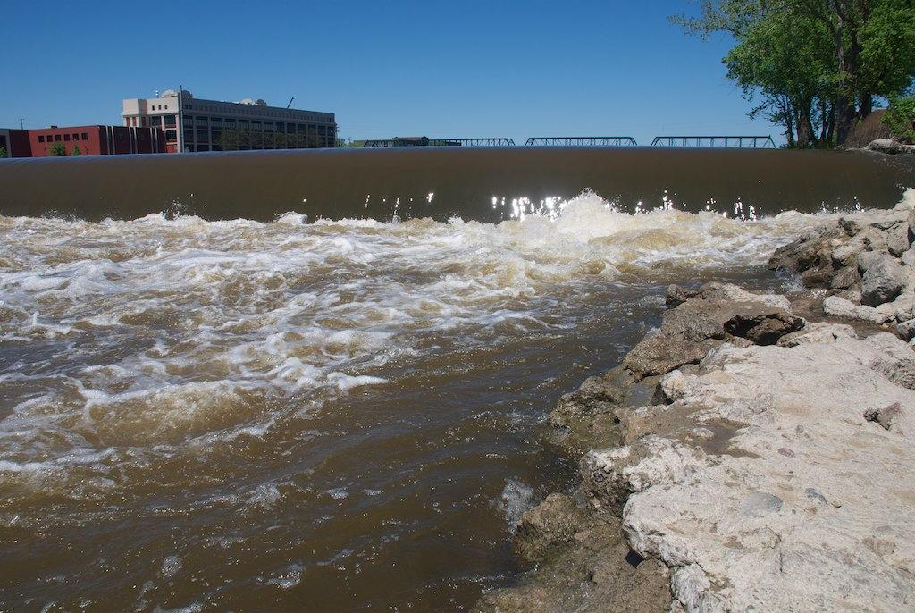Grand river dam