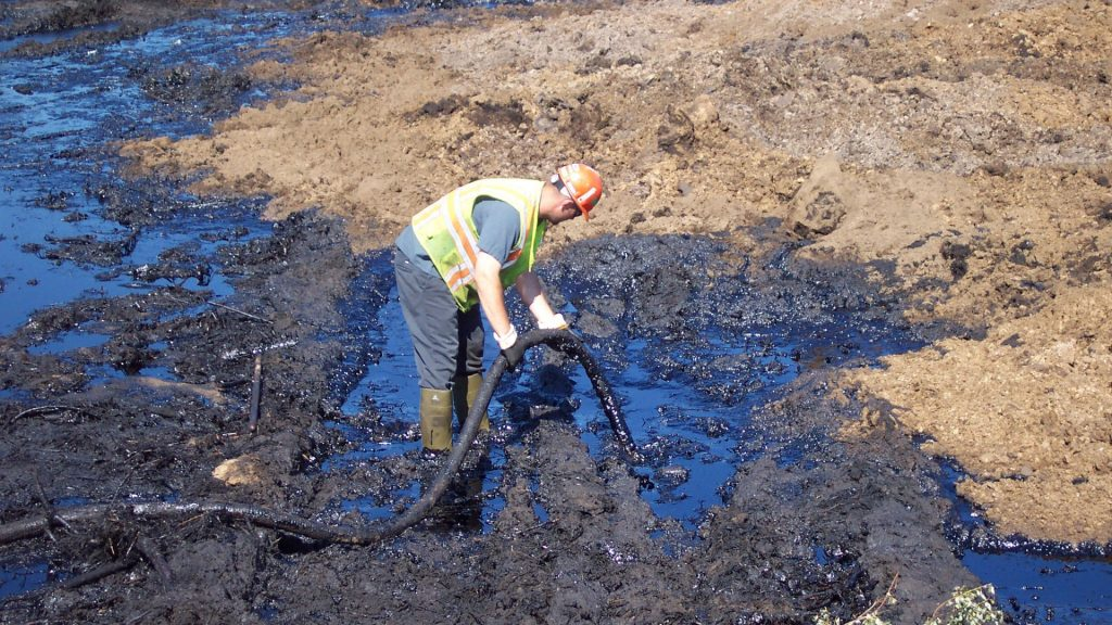 crude spilled from pipeline