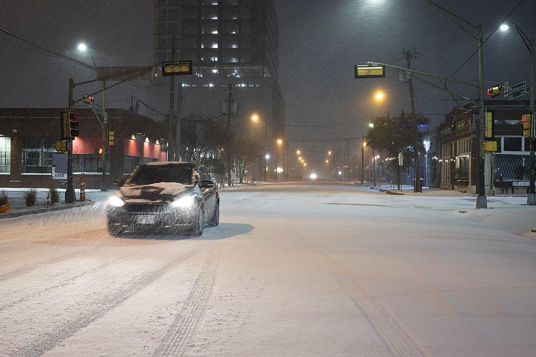 car Dallas snow